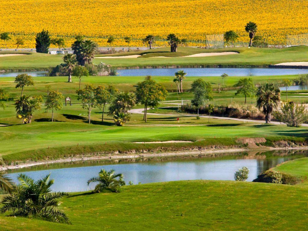 https://golftravelpeople.com/wp-content/uploads/2019/04/Sherry-Golf-Jerez-81-1024x768.jpg