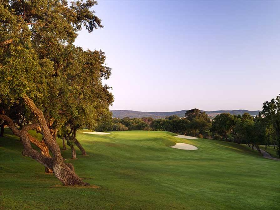 https://golftravelpeople.com/wp-content/uploads/2019/04/Spains-Finest-Real-Club-de-Sotogrande.jpg