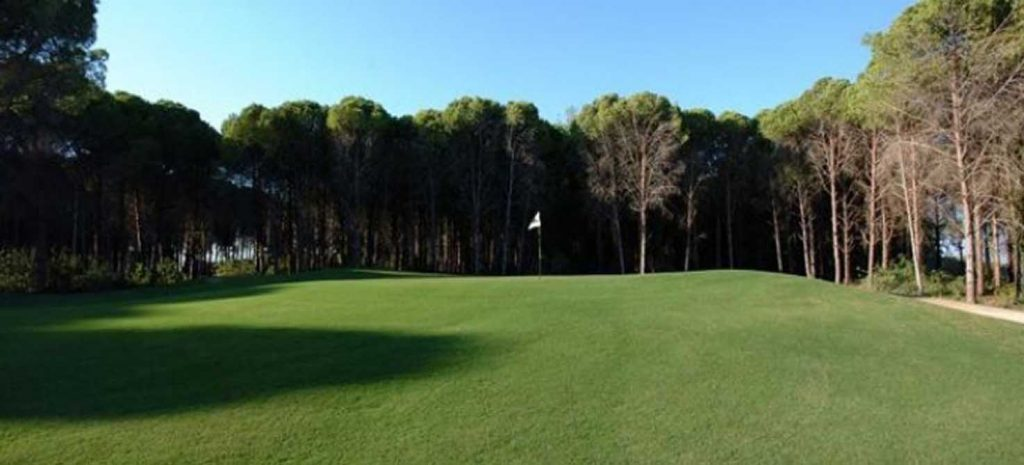 https://golftravelpeople.com/wp-content/uploads/2019/04/Sueno-Dunes-Pines-Golf-Course-1-1024x465.jpg