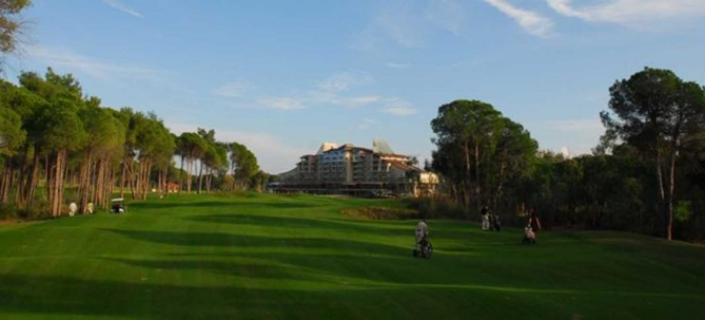 https://golftravelpeople.com/wp-content/uploads/2019/04/Sueno-Dunes-Pines-Golf-Course-3-1024x465.jpg