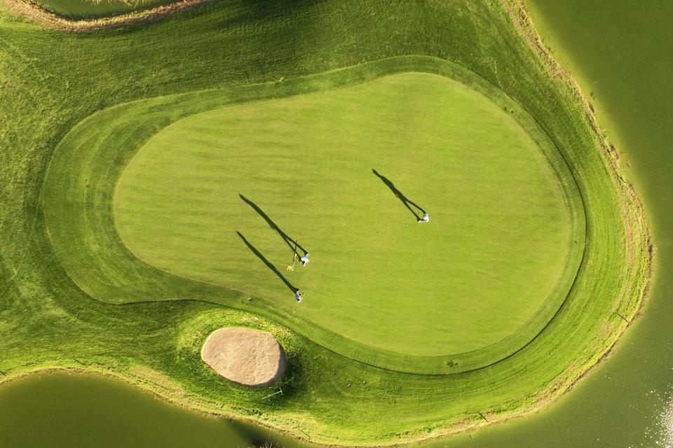 https://golftravelpeople.com/wp-content/uploads/2019/04/Sueno-Golf-Club-Belek-Golf-Academy-2.jpg