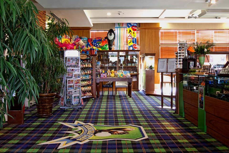 https://golftravelpeople.com/wp-content/uploads/2019/04/Sueno-Golf-Club-Belek-Pro-Shop.jpg