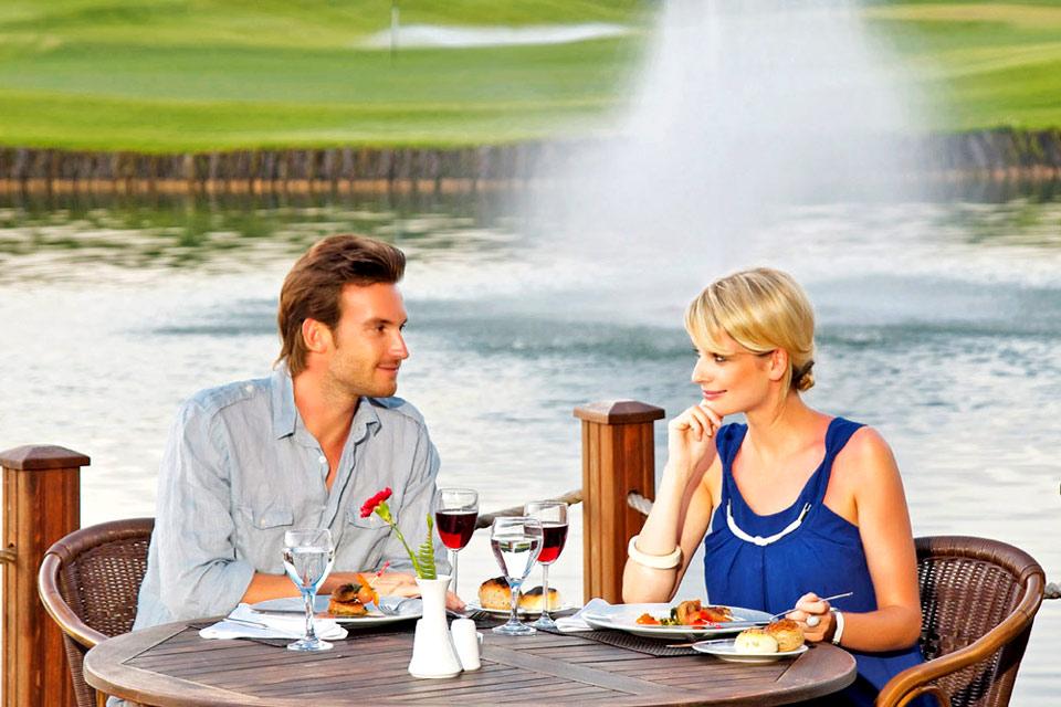 https://golftravelpeople.com/wp-content/uploads/2019/04/Sueno-Golf-Club-Belek-Restaurant-2.jpg