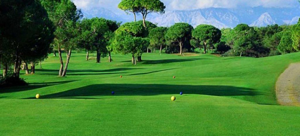 https://golftravelpeople.com/wp-content/uploads/2019/04/Tat-International-Golf-Club-2-1024x465.jpg