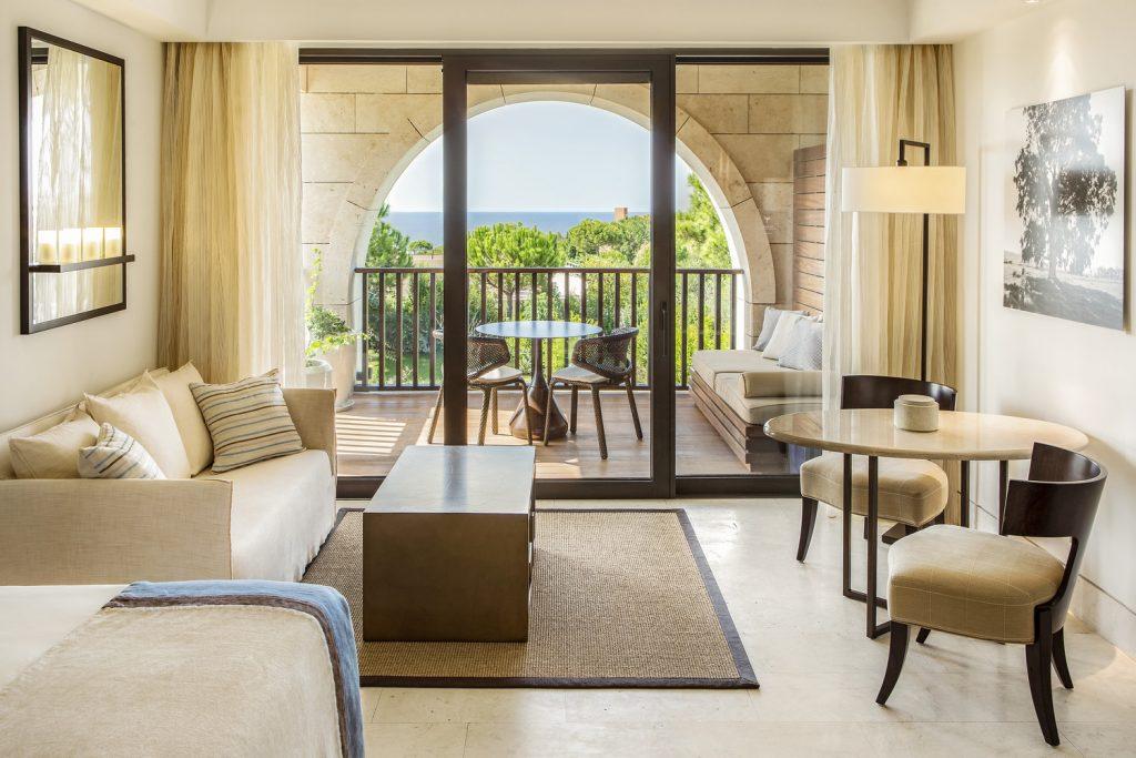 https://golftravelpeople.com/wp-content/uploads/2019/04/The-Romanos-Luxury-Collection-Resort-at-Costa-Navarino-Deluxe-Sea-Room-1024x683.jpg