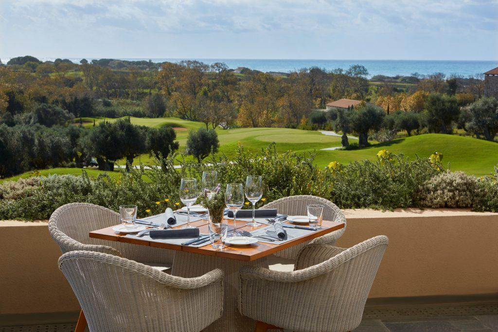 https://golftravelpeople.com/wp-content/uploads/2019/04/The-Romanos-Luxury-Collection-Resort-at-Costa-Navarino-Flame-1024x683.jpg