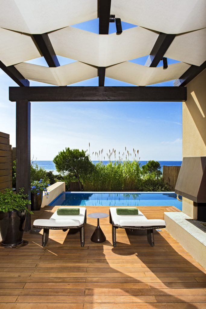 https://golftravelpeople.com/wp-content/uploads/2019/04/The-Romanos-Luxury-Collection-Resort-at-Costa-Navarino-Grand-Infinity-Suite-Sea-Terrace-683x1024.jpg