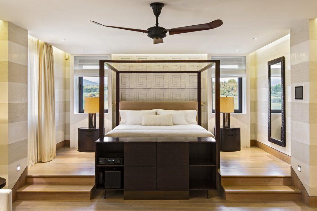 https://golftravelpeople.com/wp-content/uploads/2019/04/The-Romanos-Luxury-Collection-Resort-at-Costa-Navarino-Koroni-Royal-Villa-Master-Bedroom-1024x683.jpg