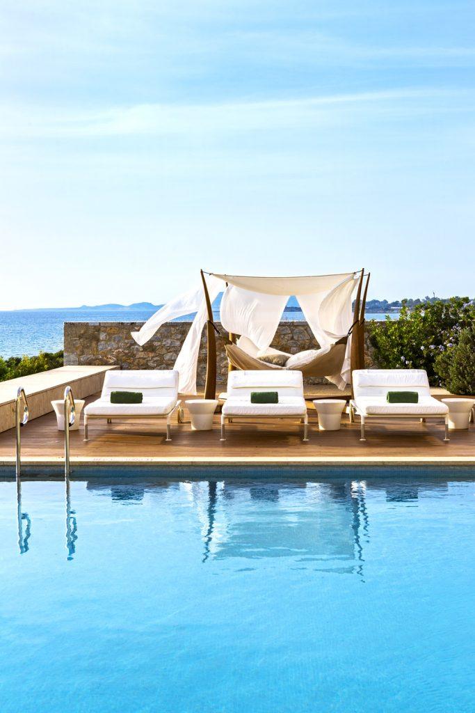 https://golftravelpeople.com/wp-content/uploads/2019/04/The-Romanos-Luxury-Collection-Resort-at-Costa-Navarino-Koroni-Royal-Villa-Pool-2-683x1024.jpg