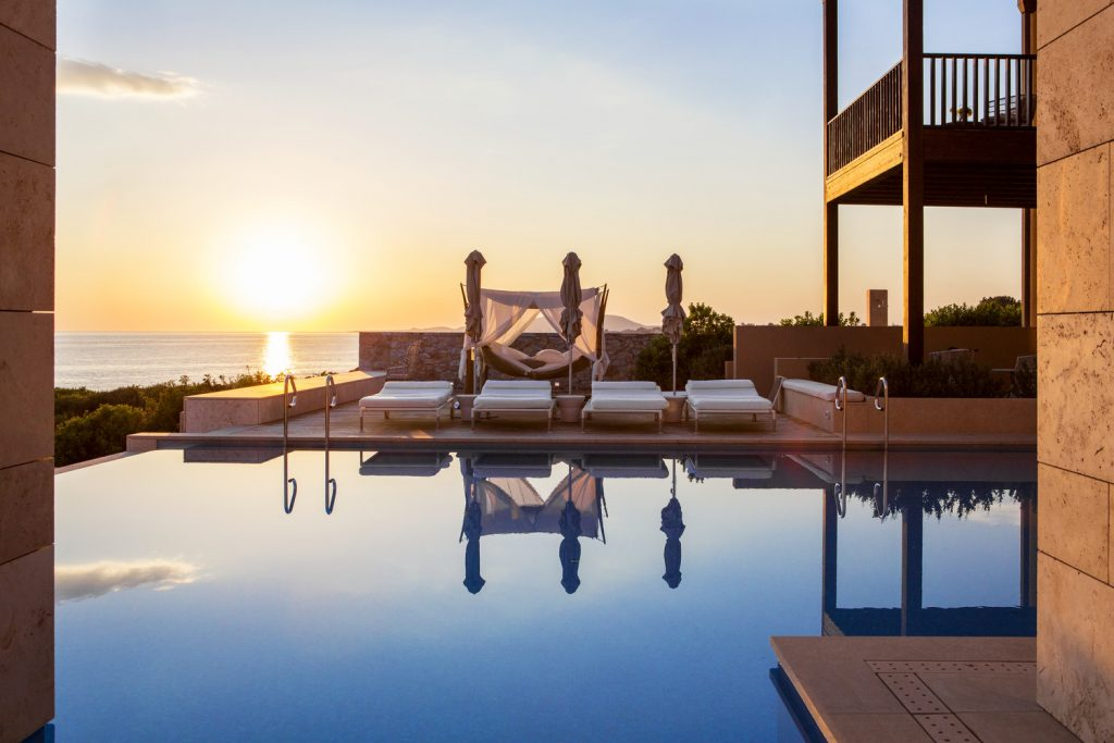 https://golftravelpeople.com/wp-content/uploads/2019/04/The-Romanos-Luxury-Collection-Resort-at-Costa-Navarino-Koroni-Villa-pool-area-1024x683.jpg