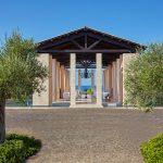 https://golftravelpeople.com/wp-content/uploads/2019/04/The-Romanos-Luxury-Collection-Resort-at-Costa-Navarino-Open-air-Lobby-3-150x150.jpg