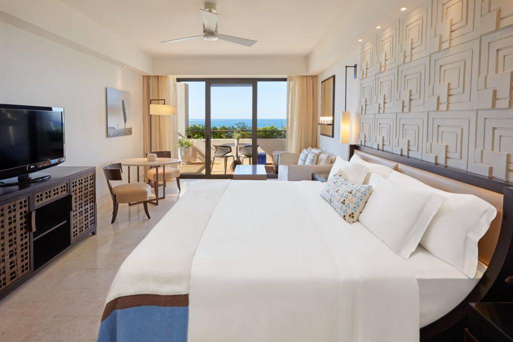 https://golftravelpeople.com/wp-content/uploads/2019/04/The-Romanos-Luxury-Collection-Resort-at-Costa-Navarino-Premium-Deluxe-Room-1024x683.jpg
