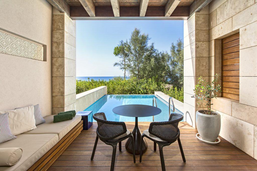 https://golftravelpeople.com/wp-content/uploads/2019/04/The-Romanos-Luxury-Collection-Resort-at-Costa-Navarino-Premium-Infinity-Room-Terrace-1024x683.jpg