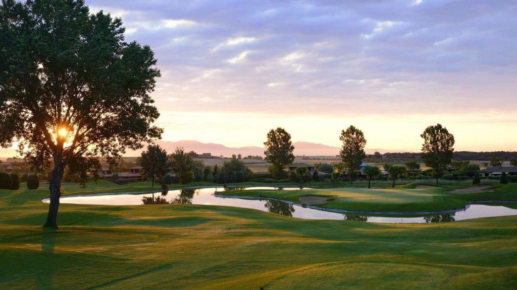 https://golftravelpeople.com/wp-content/uploads/2019/04/Torremirona-Golf-Club-Girona-Costa-Brava-3-1024x576.jpg