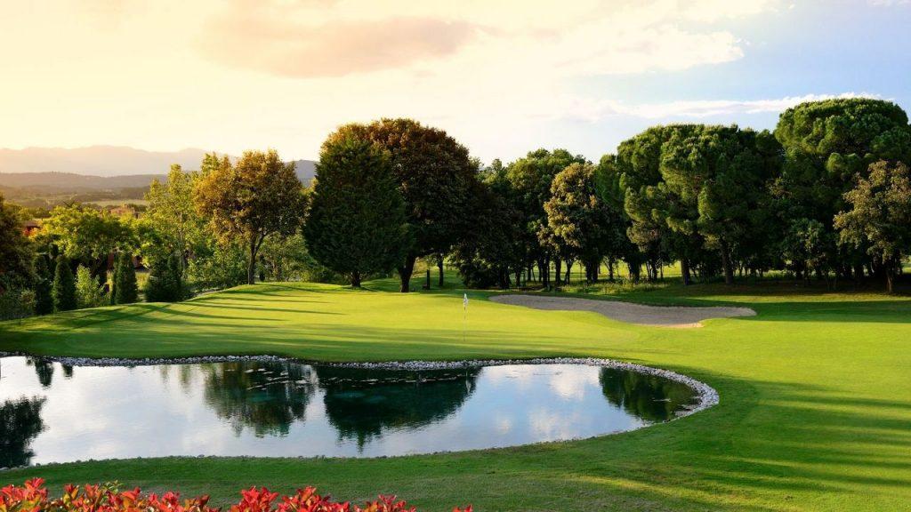 https://golftravelpeople.com/wp-content/uploads/2019/04/Torremirona-Golf-Club-Girona-Costa-Brava-4-1024x576.jpg