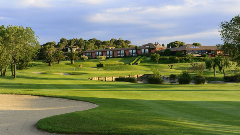 https://golftravelpeople.com/wp-content/uploads/2019/04/Torremirona-Golf-Club-Girona-Costa-Brava-9-1024x576.jpg
