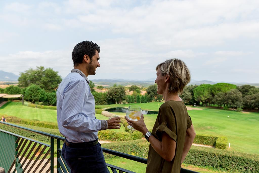 https://golftravelpeople.com/wp-content/uploads/2019/04/Torremirona-Relais-Hotel-Golf-Spa-1.jpg