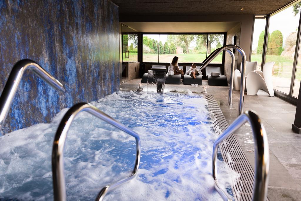 https://golftravelpeople.com/wp-content/uploads/2019/04/Torremirona-Relais-Hotel-Golf-Spa-16.jpg