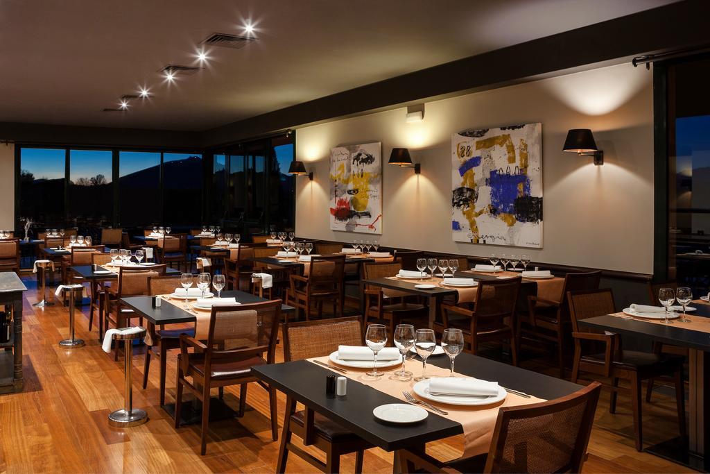 https://golftravelpeople.com/wp-content/uploads/2019/04/Torremirona-Relais-Hotel-Golf-Spa-2.jpg