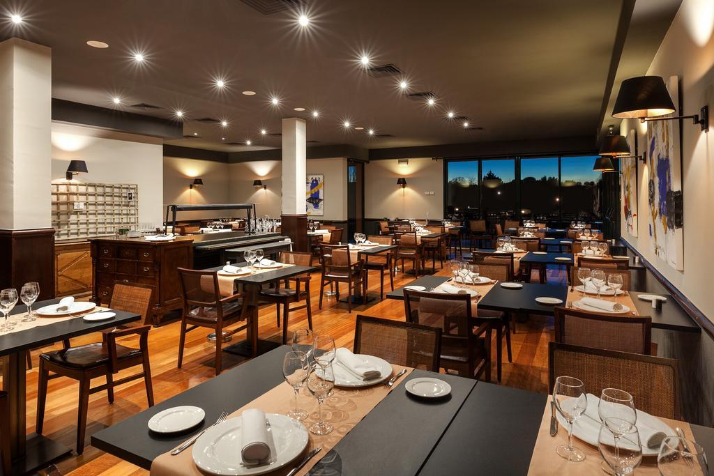 https://golftravelpeople.com/wp-content/uploads/2019/04/Torremirona-Relais-Hotel-Golf-Spa-3.jpg