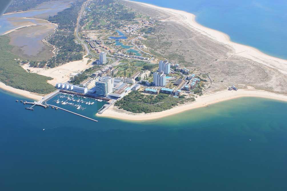 https://golftravelpeople.com/wp-content/uploads/2019/04/Troia-Resort-Hotel-1.jpg