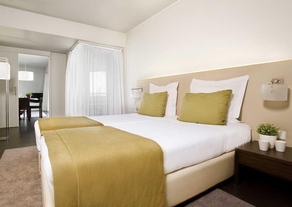 https://golftravelpeople.com/wp-content/uploads/2019/04/Troia-Resort-Hotel-4.jpg