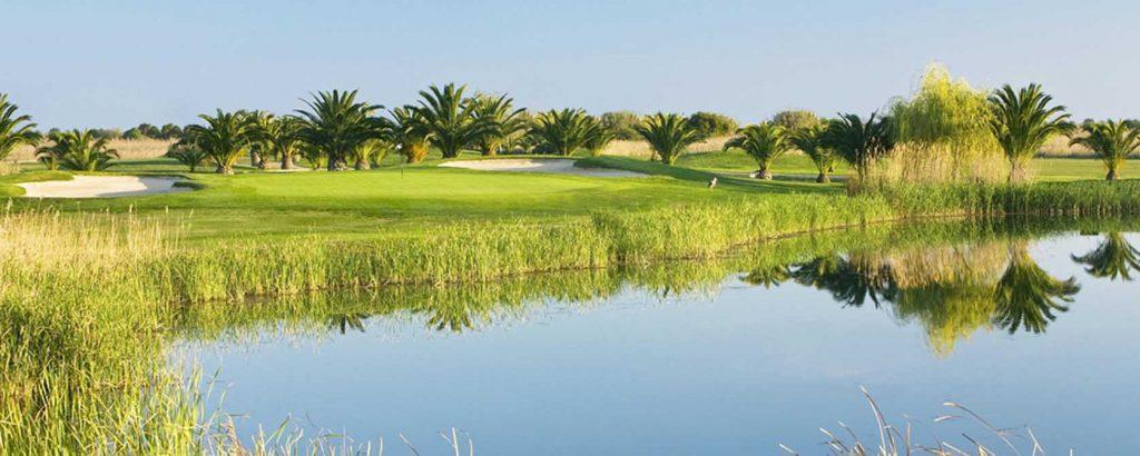 https://golftravelpeople.com/wp-content/uploads/2019/04/Vale-do-Lobo-Golf-Club-7-1024x410.jpg