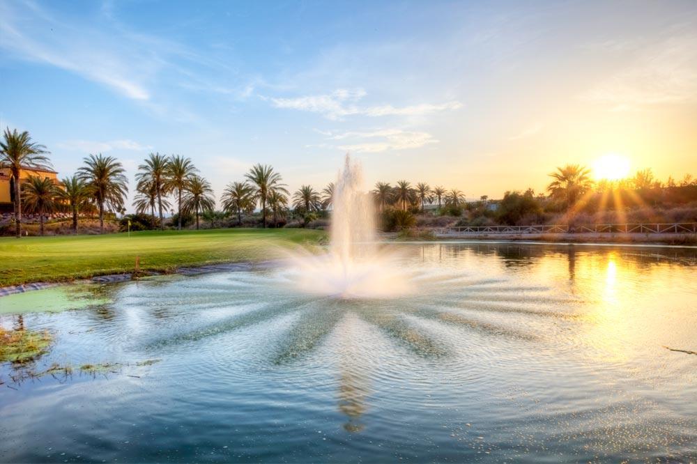 https://golftravelpeople.com/wp-content/uploads/2019/04/Valle-del-Este-Golf-Club-13.jpg