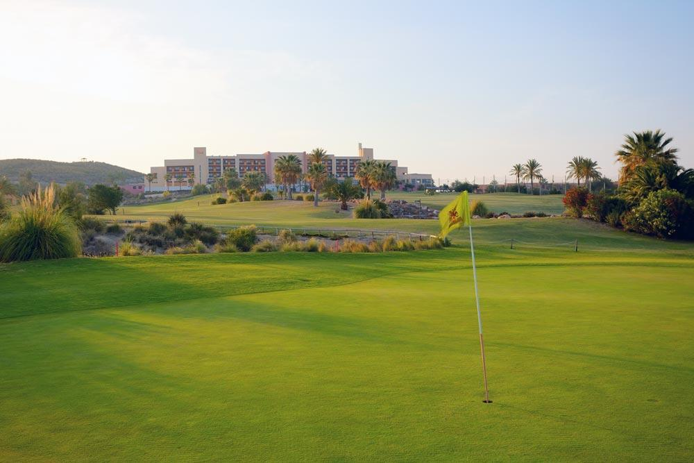 https://golftravelpeople.com/wp-content/uploads/2019/04/Valle-del-Este-Golf-Club-15.jpg