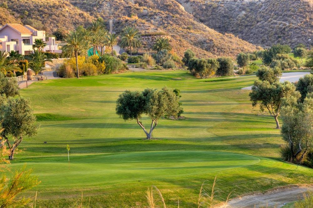 https://golftravelpeople.com/wp-content/uploads/2019/04/Valle-del-Este-Golf-Club-16.jpg