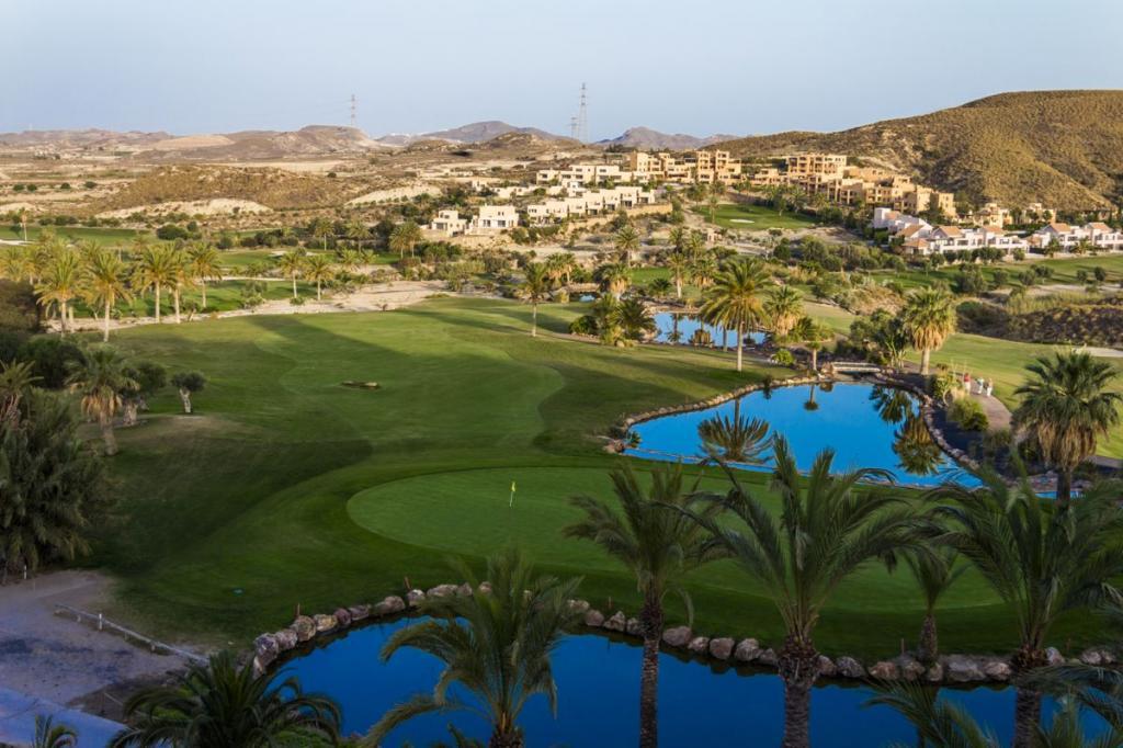 https://golftravelpeople.com/wp-content/uploads/2019/04/Valle-del-Este-Golf-Club-20.jpg