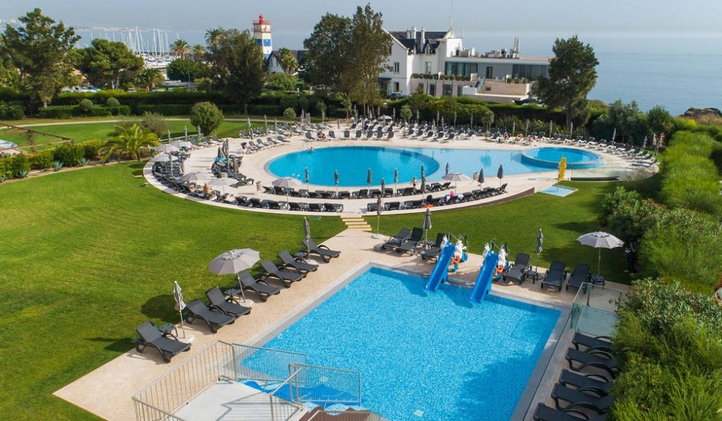 https://golftravelpeople.com/wp-content/uploads/2019/04/Vila-Gale-Cascais-Swimming-Pools-1-1024x597.jpg