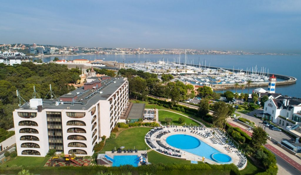 https://golftravelpeople.com/wp-content/uploads/2019/04/Vila-Gale-Cascais-Swimming-Pools-2-1024x597.jpg