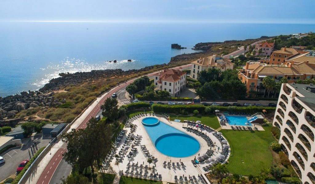 https://golftravelpeople.com/wp-content/uploads/2019/04/Vila-Gale-Cascais-Swimming-Pools-6-1024x597.jpg