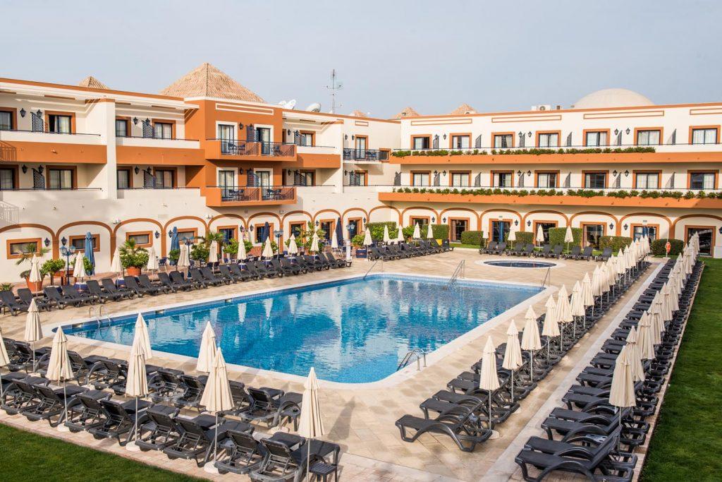 https://golftravelpeople.com/wp-content/uploads/2019/04/Vila-Gale-Hotel-Tavira-11-Copy-1024x683.jpg