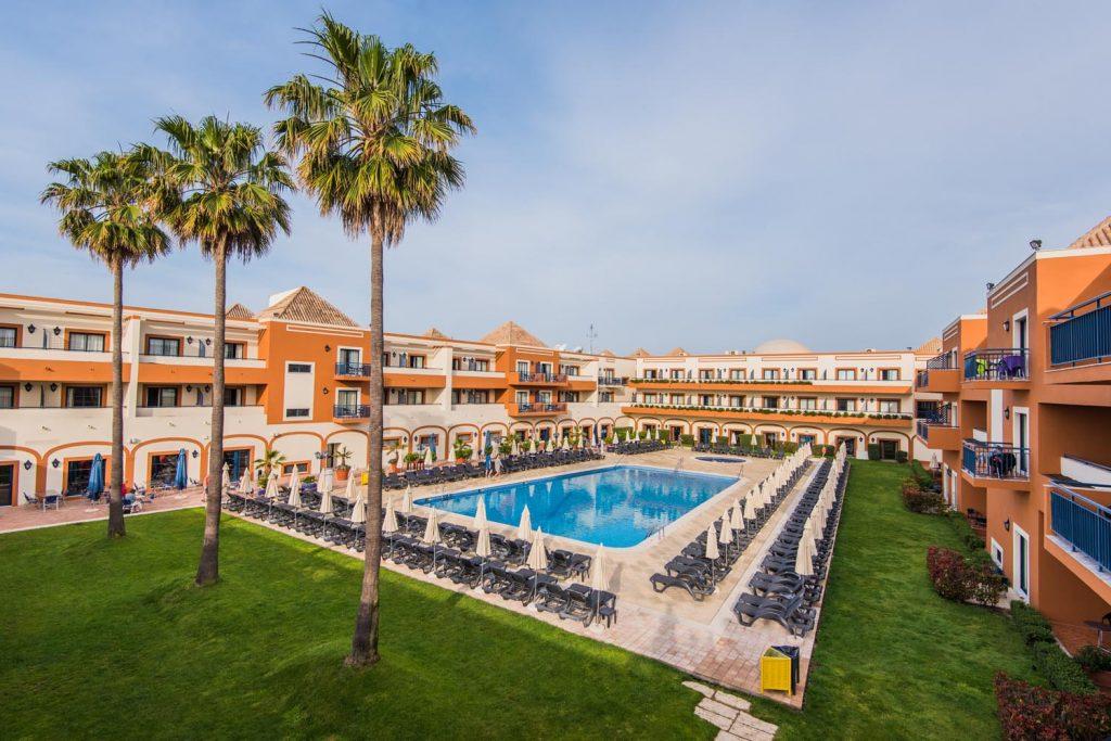https://golftravelpeople.com/wp-content/uploads/2019/04/Vila-Gale-Hotel-Tavira-12-Copy-1024x683.jpg