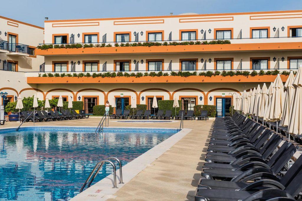https://golftravelpeople.com/wp-content/uploads/2019/04/Vila-Gale-Hotel-Tavira-13-Copy-1024x683.jpg