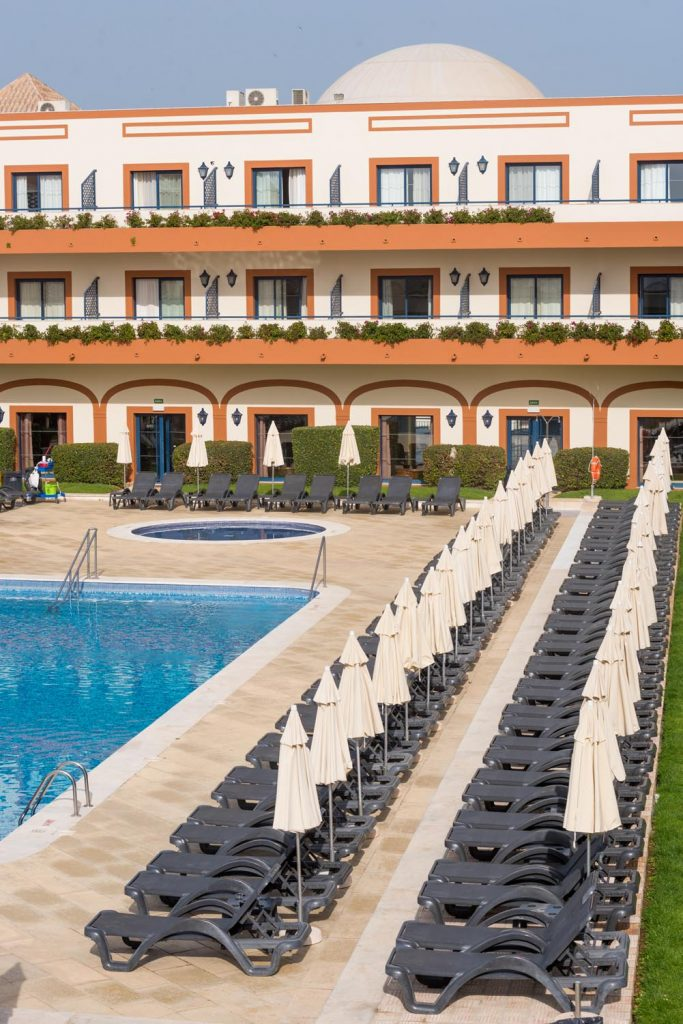 https://golftravelpeople.com/wp-content/uploads/2019/04/Vila-Gale-Hotel-Tavira-14-Copy-683x1024.jpg