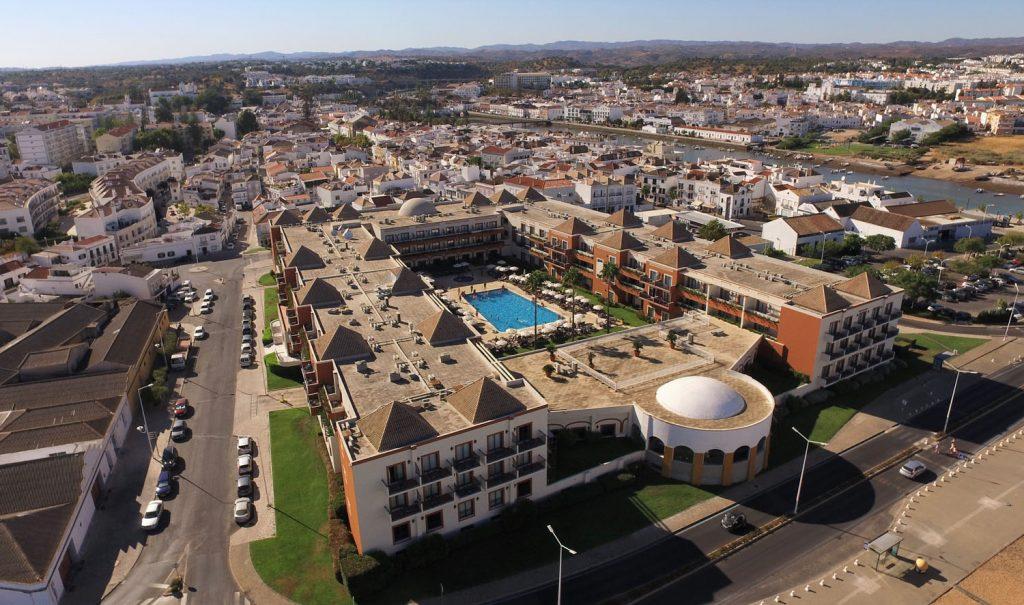 https://golftravelpeople.com/wp-content/uploads/2019/04/Vila-Gale-Hotel-Tavira-3-Copy-1024x605.jpg