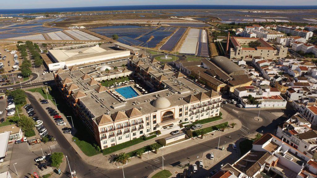 https://golftravelpeople.com/wp-content/uploads/2019/04/Vila-Gale-Hotel-Tavira-4-Copy-1024x576.jpg