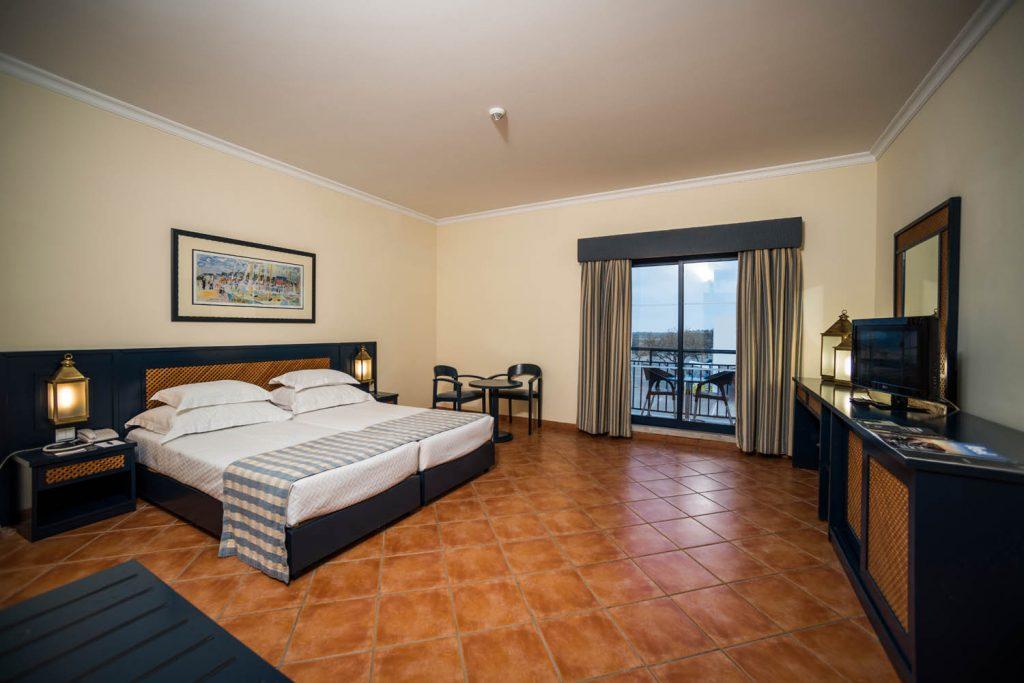 https://golftravelpeople.com/wp-content/uploads/2019/04/Vila-Gale-Hotel-Tavira-Bedrooms-2-Copy-1024x683.jpg