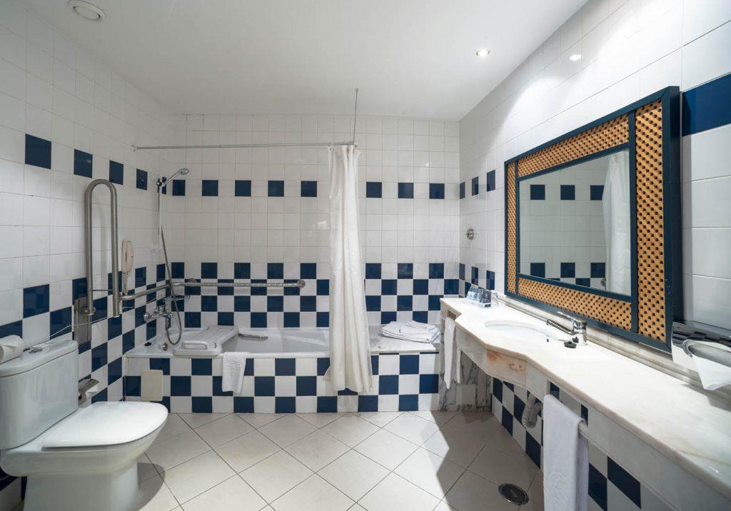 https://golftravelpeople.com/wp-content/uploads/2019/04/Vila-Gale-Hotel-Tavira-Bedrooms-3-Copy-1024x716.jpg