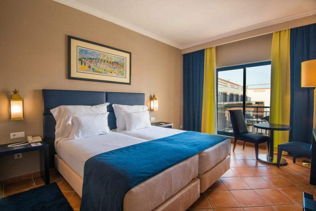 https://golftravelpeople.com/wp-content/uploads/2019/04/Vila-Gale-Hotel-Tavira-Bedrooms-7-Copy-1024x683.jpg