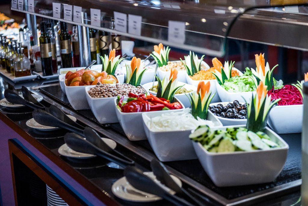 https://golftravelpeople.com/wp-content/uploads/2019/04/Vila-Gale-Hotel-Tavira-Restaurants-6-Copy-1024x683.jpg