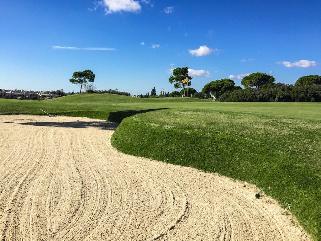 https://golftravelpeople.com/wp-content/uploads/2019/04/Villa-Nueva-Golf-Club-11-1024x768.jpg
