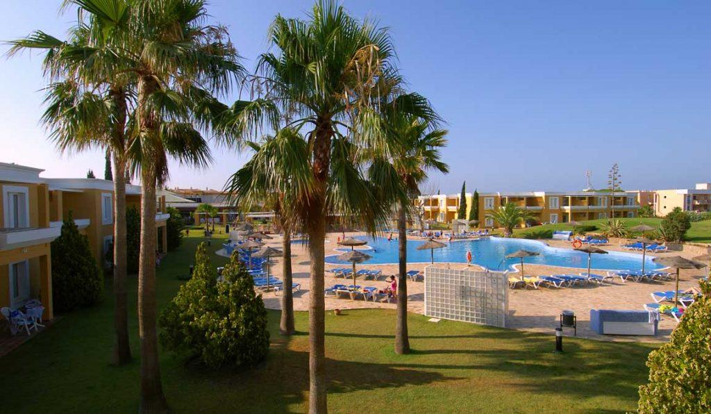https://golftravelpeople.com/wp-content/uploads/2019/04/Vincci-Costa-Golf-Hotel-6-1024x596.jpg