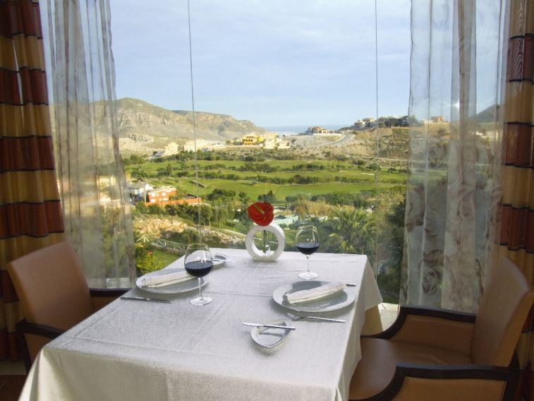 https://golftravelpeople.com/wp-content/uploads/2019/04/Vincci-La-Envia-Golf-and-Wellness-Resort-Hotel-11.jpg