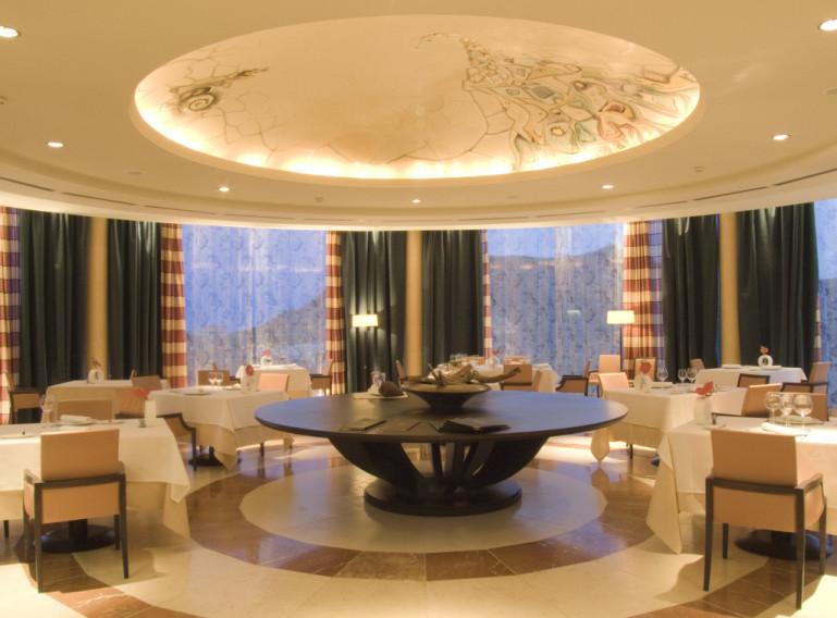 https://golftravelpeople.com/wp-content/uploads/2019/04/Vincci-La-Envia-Golf-and-Wellness-Resort-Hotel-13.jpg