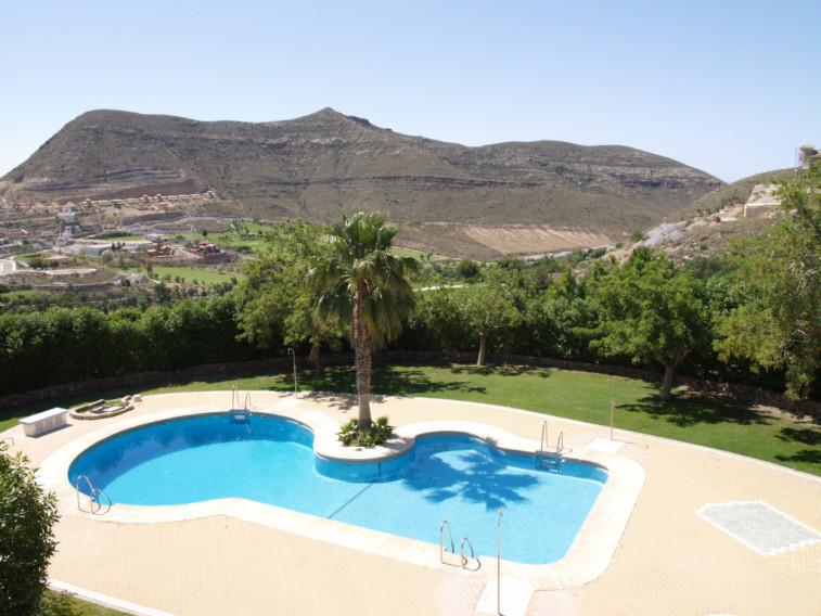 https://golftravelpeople.com/wp-content/uploads/2019/04/Vincci-La-Envia-Golf-and-Wellness-Resort-Hotel-2.jpg