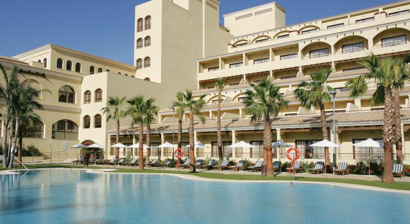 https://golftravelpeople.com/wp-content/uploads/2019/04/Vincci-La-Envia-Golf-and-Wellness-Resort-Hotel-3.jpg
